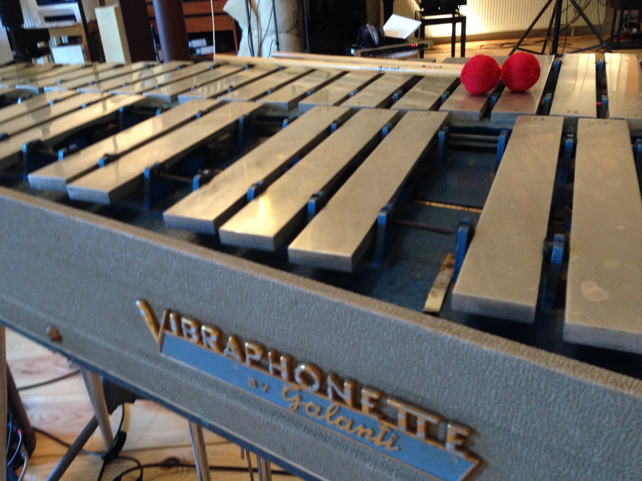 Vintage portable (!) vibraphone by Italian makers Galanti. Looks as sweet as it sounds.